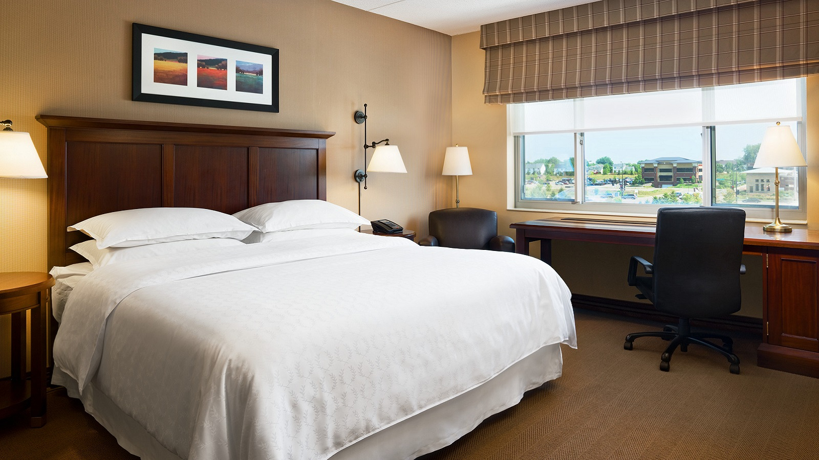 Executive Club King Guestroom